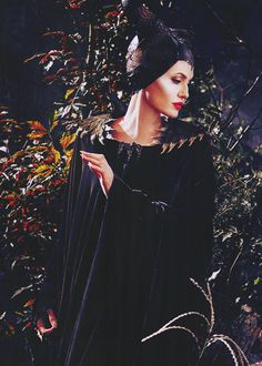Angelina Jolie as Maleficent Angelina Jolie Maleficent, Maleficent 2014, Maleficent Movie, Malificent, Maleficent Quotes, Godmother Dress, Fairy Godmother, Disney Love, Disney Art