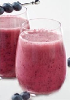 Blueberry-Lemon Smoothie -- Blueberries and lemonade mix give this quick and easy, smoothie its refreshing fruit flavor. Plus, this healthy living recipe makes enough for you and a friend. (Chocolate Shake Juice Plus) Healthy Living Recipes, Easy Smoothie Recipes, Yummy Smoothies, Breakfast Smoothies, Yummy Drinks, Healthy Drinks, Yummy Food, Healthy Foods, Healthy Eating