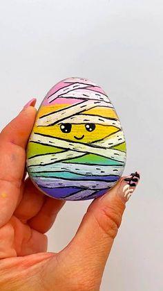 Stone Art Painting, Pebble Painting, Pebble Art, Diy Painting, Rock Painting Patterns, Rock Painting Ideas Easy, Rock Painting Designs, Rock Painting For Kids, Painted Rocks Craft
