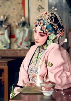Chinese Opera posted by Sifu Derek Frearson Chinese Artwork, Chinese Painting, Chinese Element, Chinese Opera, Dragon Dance, China Girl, Face Characters, Oriental Fashion, Ancient China