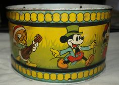 Vintage Ohio Art & Co Walt Disney Enterprises Mickey Mouse Tin Litho Drum . Like mine. Disney Duck, Walt Disney, Disney Toys, Cute Disney, Disney Magic, Disney Dream, Disney Stuff, Minnie Mouse, Vintage Mickey Mouse