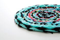 We're obsessed with all things weaving, so today (it's almost Spring!), we're weaving a placemat. Here's how to brighten up your table in a snap. By Roxy Taghavian for Brit + Co. Textiles, Yarn Crafts, Diy Crafts, Make Your Own Clay, Circular Weaving, Weaving Projects, Diy Flooring, Woven Wall Hanging, Woven Rug