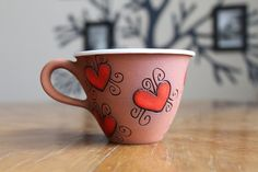 Espresso mug with hearts by MugsAtFirstSight on Etsy Painted Pottery, Pottery Mugs, Pottery Painting, Pottery Ideas, Pottery Art, Clay Mugs, Ceramic Clay, Sharpie Mug Designs, Wheel Thrown Pottery