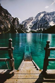 "Sociolatte: ""Lago di Braies"" in Italy - Now that's an entrance..."