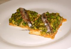 Fine dining in the Langhe. Bagnet verde with anchovies on toasts. Photo by Anna Savino