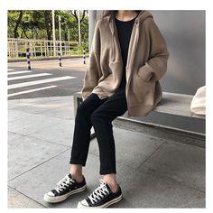 Aesthetic Fashion, Aesthetic Girl, Look Fashion, Winter Fashion, Korean Girl Fashion, Korean Street Fashion, Womens Fashion, Winter Fits, Korean Outfits