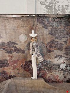 "Lee Hye Jung in ""Woman in Folk Painting"", Vogue Korea January 2013 photographed by Koo Bohn Chang Indie Fashion, Fashion Art, Editorial Fashion, Korean Fashion, Womens Fashion, Fashion Design, Fashion Trends, Style Fashion, Fashion Styles"
