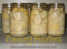 Canning potatoes is a great way to preserve them! Here's an easy tutorial on how to can potatoes at home. Canning Potatoes, Canning Pears, Easy Canning, Dried Potatoes, Canning Vegetables, Canning Tips, Canning Food Preservation, Preserving Food, Potatoes On The Stove