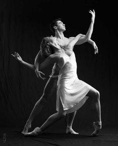 Polina Pavlenko Полина Павленко and Maks Midyanka Макс Мидянка, Eifman Ballet Театр балета Бориса Эйфмана - Photographer Alisa Tixton Алиса Тикстон