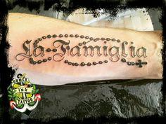 Domex ink Tattoo Unterarm La Famiglia italienisch