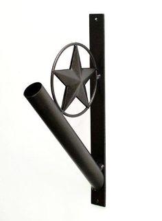 IRON STAR FLAG POLE HOLDER-13.75 INCHES HIGH.