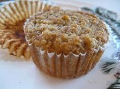 Hope For Healing: Hearty Banana Oat Muffins Healthy High Protein Meals, Protein Packed Snacks, Protein Desserts, High Protein Low Carb, High Protein Recipes, Protein Foods, Healthy Treats, Healthy Eating, High Protein Muffins