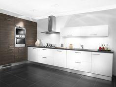 Hoek keuken met 2 verschillende kleuren!