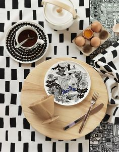 To celebrate the Finland, Marimekko launched a pattern entitled Veljekset (brothers) created by Maija Louekari, one of Marimekko's younger generation print designers. The design was inspired by Finnish folk tales and it depicts wildlife inhab Marimekko, Vase Deco, Table Design, Deco Design, Kitchen Dining, Kitchen Decor, Teller, Salad Plates, Home Collections