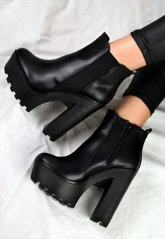 High Heel Boots, Heeled Boots, Shoe Boots, Shoes Heels, Pumps, Fashion Heels, Fashion Boots, Sneakers Fashion, Fashion Black