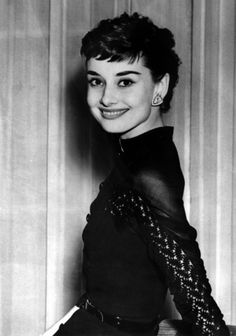 """Audrey Hepburn photographed during a cocktail offered specially for her (after a long stay in Rome, for the filming of """"Roman Holiday"""") at the Claridges Hotel in London (England), on May Audrey Hepburn Born, Audrey Hepburn Photos, Viejo Hollywood, Old Hollywood, Classic Hollywood, Divas, Roman Holiday, Fair Lady, Style Icons"""