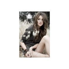 Shailene Woodley Online {Image Archive} ❤ liked on Polyvore featuring people, pictures, shailene woodley, girls and backgrounds