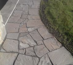 Stone walkways don't have to be perfect. That's what gives them the character, but they do have to be stable. Visit our advanced flagstone tips for helpful information.