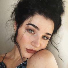 // Pinterest naomiokayyy Makeup, Beauty, faces, lips, eyes, eyeshadow, hair, colour, ombre,