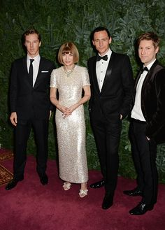 Tom Hiddleston attends the 60th London Evening Standard Theatre Awards at the London Palladium on November 30, 2014 in London, England [HQ]