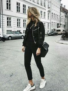 tomboy chic outfit: masculine black suit jacket, white crisp shirt and black cigarette trousers, *+ Andy Heart Autumn Fashion Casual, Casual Winter Outfits, Winter Fashion, Autumn Outfits, Hipster Outfits, Cool Outfits, Fashion Outfits, Fashion 2018, Blue Outfits