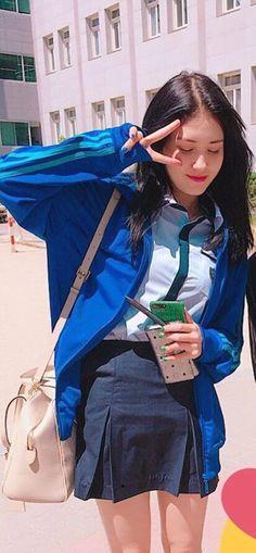 Jeon Somi Peach Aesthetic, Korean Aesthetic, South Korean Girls, Korean Girl Groups, My Moon And Stars, Jeon Somi, Asian Cute, Ulzzang Girl, Kpop Girls