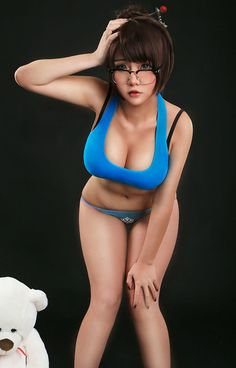 Overwatch Mei by Hana Bunny - More at https://pinterest.com/supergirlsart #cosplay #girl #hot #sexy #hanabunny