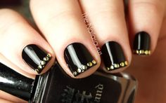 love the black and gold combo