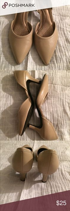 Pointed-toe, Nude Heels Stride Right size 7 pointed toe, small heel nude color. Worn once for a wedding. EUC. Stride Rite Shoes Heels