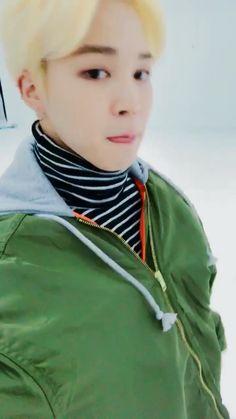 방탄소년단 on - Funny And Healthy Foto Bts, Bts Photo, Jikook, Bts Jungkook, Namjoon, Jung Kook, Bts Video, Foto E Video, Bts Memes