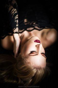 #Indoor - Mary Eve Photography #homeshooting #sensual #sinnlich #blonde #model #beauty