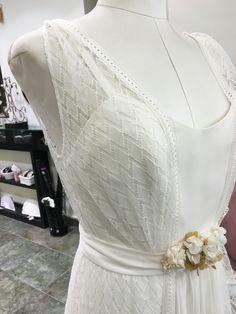 Detalles de la colección de Jordi Anguera. #wedding #weddingdress #weddingblogger #weddingplanner #trajesdenovia #atelier #diseño #jordianguera #costura #vestidosdenovia #barcelona #novia #novias #