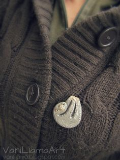 Polymer clay sloth brooch :)