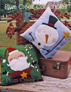 Felt Snowman Pattern *Christmas Applique Design* Santa and Snowman hand stitched pillow pattern Rustic Decorative Pillows, Decorative Pillow Cases, Christmas Applique, Felt Christmas, Xmas, Felt Snowman, Felt Pillow, Felt Applique, Diy Pillows