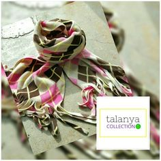 Old Navy Scarf Cream, brown and pink. Great condition Old Navy Accessories Scarves & Wraps