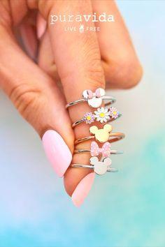 Rustic Jewelry, Cute Jewelry, Jewelry Accessories, Mickey Minnie Mouse, Disney Mickey, Friend Jewelry, Pura Vida Bracelets, Daisy Duck, Disney Jewelry
