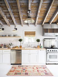 exposed ceiling kitchen / Kitchen <3