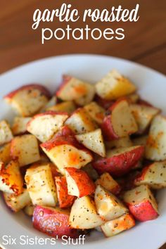 Garlic Roasted Potatoes from SixSistersStuff.com.  An easy recipe that makes the perfect side dish to any meal! #recipes #vegetables #sixsistersstuff