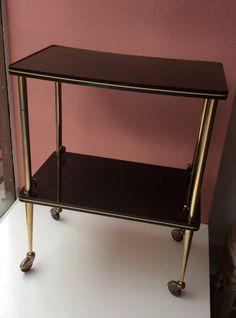 70-luvun sivupöytä . tarjoilupöytä . yöpöytä... . säädettävä korkeus . korkeus min 69 . leveys 55 . syvyys 34cm