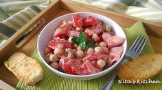 Insalata di pomodori e ceci, fresca e cremosa