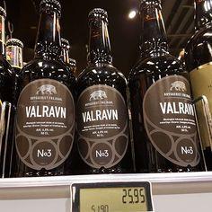 Unser Merchandising in Dänemark  #viking #valravnontour #vikings Jack Daniels Whiskey, Whiskey Bottle, Vikings, Drinks, Instagram, Middle Ages, The Vikings, Drinking, Beverages