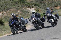 Galería de imágenes de la comparativa entre una selección de las motos más grandes del mercado | Motociclismo.es 1200 Gs Adventure, Triumph Tiger, Touring Bike, Bmw Motorcycles, Hot Bikes, Biker, Trail, Vehicles, Motorcycles