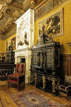 Peleş Castle (Florentine room), Sinaia, Romania, www.romaniasfriends.com Architecture Old, Classical Architecture, Beautiful Castles, Beautiful Places, Peles Castle, Palace Interior, Interior Design Software, Bucharest, Eastern Europe