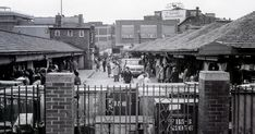 Great rare photo shows hustle and bustle of popular Morledge open market - Derbyshire Live Old Time Photos, Open Market, Peak District, Local History, Derbyshire, Nottingham, Rare Photos, England, Street View