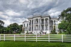 The Nottoway Plantation House, one of the largest antebellum plantation houses in the south, is composed of 64 rooms, 7 staircases, and 5 galleries. This 53,000-square foot plantation home was constructed by John Hampden Randolph in 1858. uhh, WOW..  :)