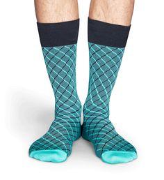 Mannen die een chiquer paar sokken willen hebben, hebben geluk. Er zijn dressed socks ontworpen, om een formele uitstraling te vervolmaken zodat mannen waar dan ook kunnen genieten van een discrete stijl. Deze grijs met donkerblauwe dressed socks zijn geweven van zijdeachtige draden van glanzende Peruviaanse Pima katoen voor het zachte, maar toch duurzame gevoel waar mannen naar op zoek zijn.