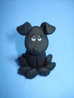 Love the expression in the eyes - Black Lab Dog Clay Figurine by ClayCreationsbyLaura on Etsy Polymer Clay Kunst, Polymer Clay Figures, Polymer Clay Sculptures, Polymer Clay Animals, Polymer Clay Dolls, Polymer Clay Projects, Polymer Clay Charms, Polymer Clay Creations, Black Labs Dogs