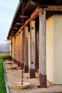 Timber posts and rain chain Rustic Pergola, Pergola Patio, Backyard, Cheap Pergola, Pergola Kits, Gutter Chains, Rain Chains, Water Collection, Rain Barrel