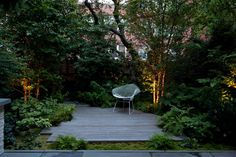 Seven Useful Shade Tolerant Groundcovers For Tough Spots Brooklyn Heights Townhouse In Brooklyn, New York. Structured By New York Firm Robin Key Landscape Architecture. Landscape Architecture, Landscape Design, Garden Design, Modern Landscaping, Garden Landscaping, Small Gardens, Outdoor Gardens, Chillout Zone, Brooklyn Backyard