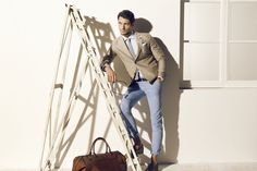 Traje de chaqueta y pantalón, de verano, ideal para Carmelo.